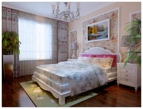 主卧室做了个简单的床头背景墙,运用了聚氨酯平角线和壁纸,有主有次,增加整体的立体感。