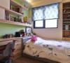 男孩房-带着生命朝气的嫩绿跳色,让空间观感更趋轻盈。