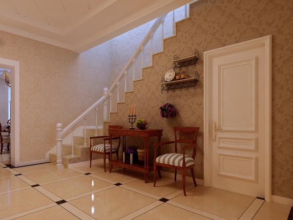 楼梯沿用了欧式的壁纸、金黄色的地砖、白色的实木门,光看楼梯就很有感觉。设计师在此做了个小小的休息区域,墙壁上的装饰臂架很好的增添了空间的灵妙感。