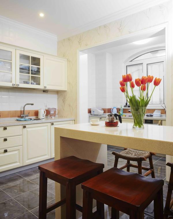 西山林语 420平米 混搭装修风格,橱房宽敞明亮的厨房会不会让菜品更出色呢?