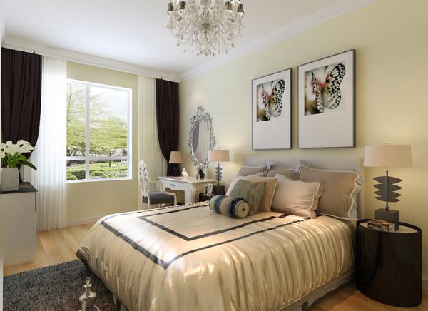主卧选用暖黄色的漆、配上白色家具床等配饰,很是靓丽温馨。空间没有复杂的造型,大气而又时尚实用。