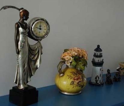 带点既然是地中海风格,怎么能少的了这些小装饰呢?很有特色的座钟。