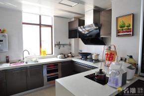 欧式 三居 80后 高富帅 欧式豪华 名雕装饰 厨房图片来自名雕装饰设计在198平欧式风格,豪华精致生活的分享