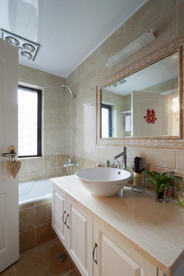 浴室另外的一个角度。