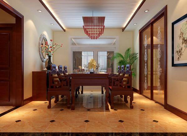 亮点:餐厅顶面的设计采用拉槽造型,增加了空间的秩序感,与整体风格相呼应。餐边柜点缀若干装饰,有能兼具收纳和装饰功能。