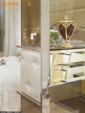 欧式 时尚 混搭 收纳 白富美 白领 衣帽间图片来自幸福空间在138 m²时尚奢华语汇精品宅的分享
