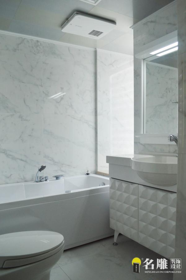 名雕装饰设计——卫生间:白白色作主色,让整个卫生间简洁明亮。