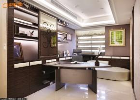 欧式 白富美 公主房 二居 书房图片来自幸福空间在280平闪耀奢华表情的白領居宅的分享