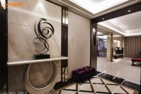 欧式 白富美 公主房 二居 玄关图片来自幸福空间在280平闪耀奢华表情的白領居宅的分享