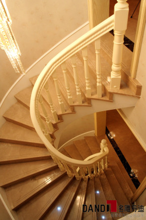 欧式 别墅 高富帅 白富美 名雕丹迪 名雕装饰 奢华 尊贵 楼梯图片来自名雕丹迪在400平欧式风格奢华豪邸的分享