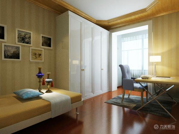 次卧,主要是平时来亲朋好友时暂时居住,整体采用空间利用,有床和桌椅。