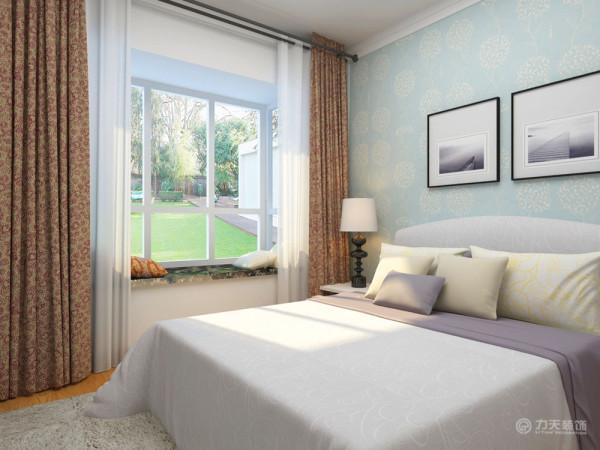 卧室以温馨舒适为主,此卧室是次卧,主要用来接待客人所用。
