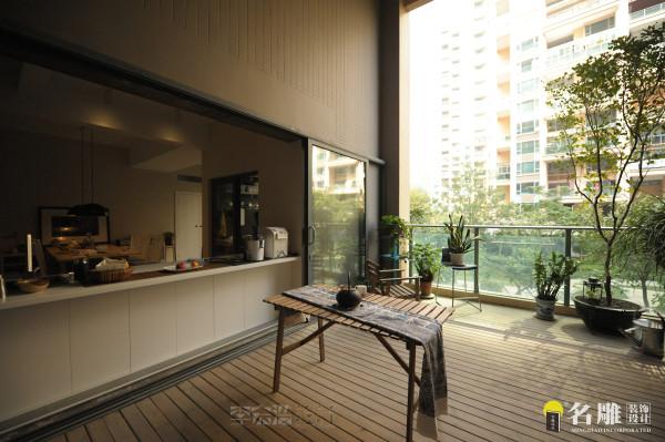 名雕装饰设计——大阳台:空间巨大,向往阳光,空气,绿色,水,木,等,材质简单,简单的生活!有禅意!