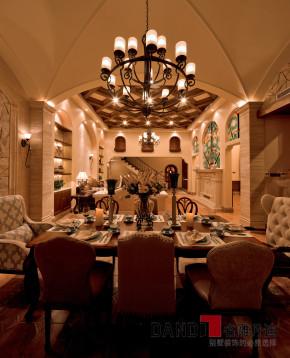 美式 别墅 高富帅 名雕丹迪 海景别墅 餐厅图片来自名雕丹迪在200平美式海景别墅,休闲圣地的分享