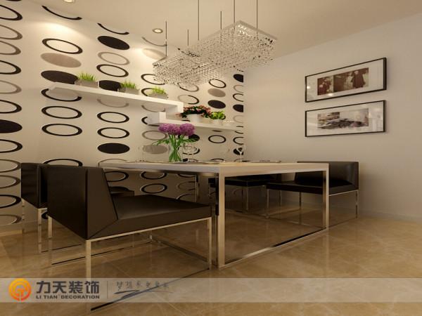 摆放一个四人餐桌,餐厅旁边就是厨房。