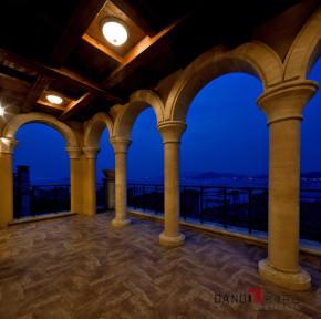 美式 别墅 高富帅 名雕丹迪 海景别墅 名雕装饰 阳台图片来自名雕丹迪在200平美式海景别墅,休闲圣地的分享