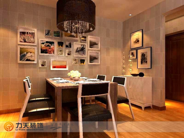 墙面通贴壁纸,地面采用复合地板