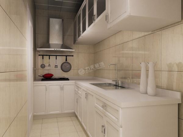 厨房的储物功能强大