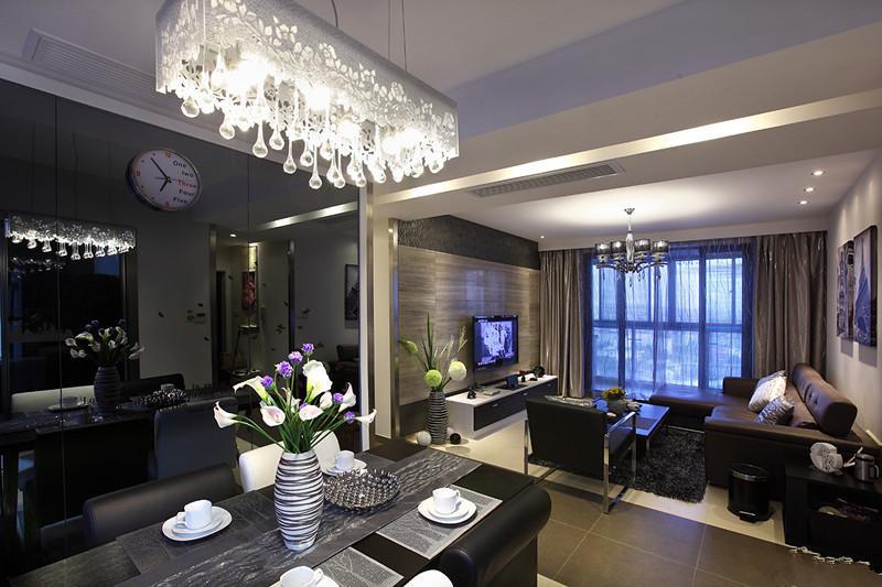 三居 白领 80后 小资 古典 新古典 优雅 温馨 客厅图片来自唯美装饰在香榭琴台墨园 98平新古典三居的分享