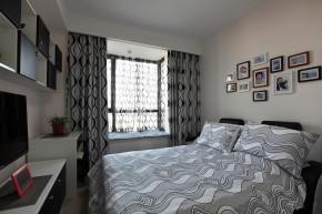三居 白领 80后 小资 古典 新古典 优雅 温馨 卧室图片来自唯美装饰在香榭琴台墨园 98平新古典三居的分享
