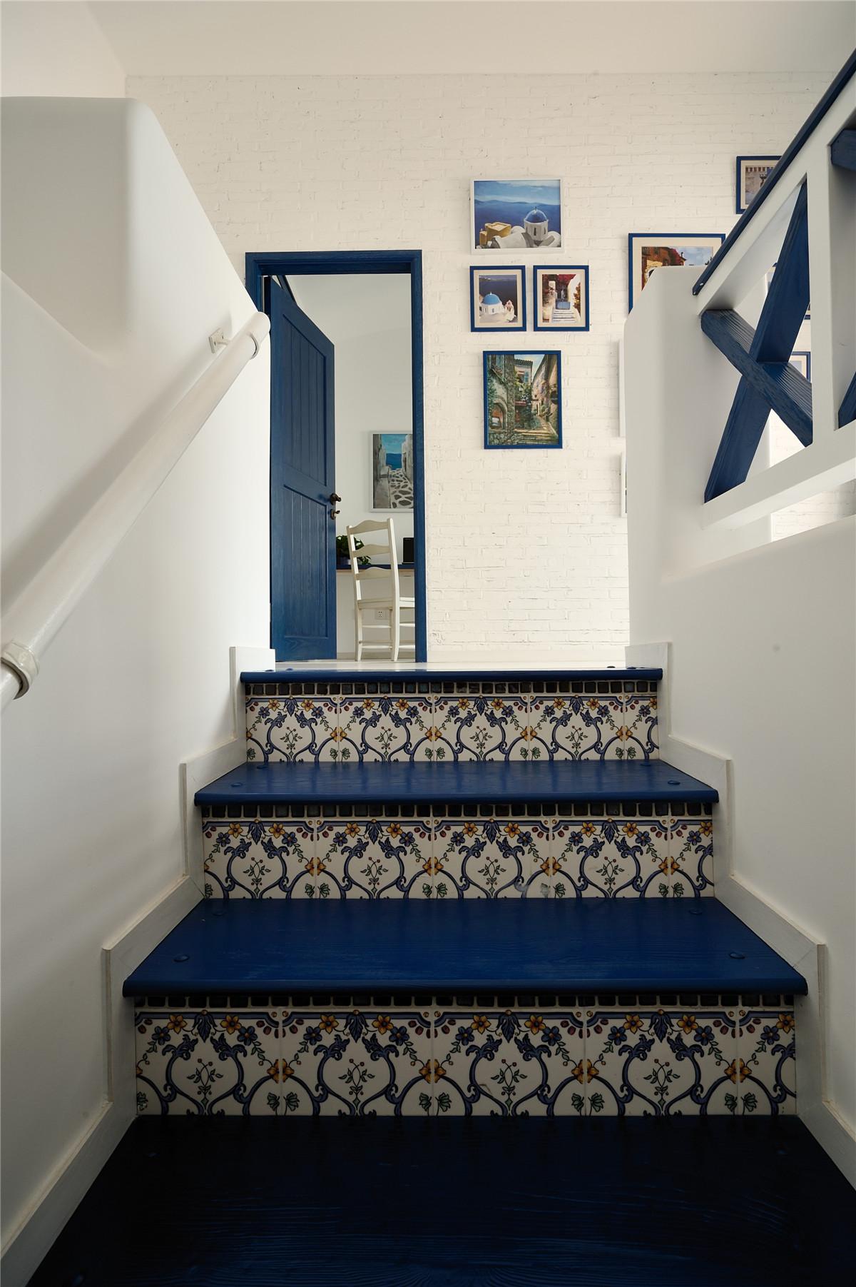 二居 地中海 白领 收纳 旧房改造 田园 小清新 楼梯图片来自装修小管家在恋上地中海岸的夏日转角的分享