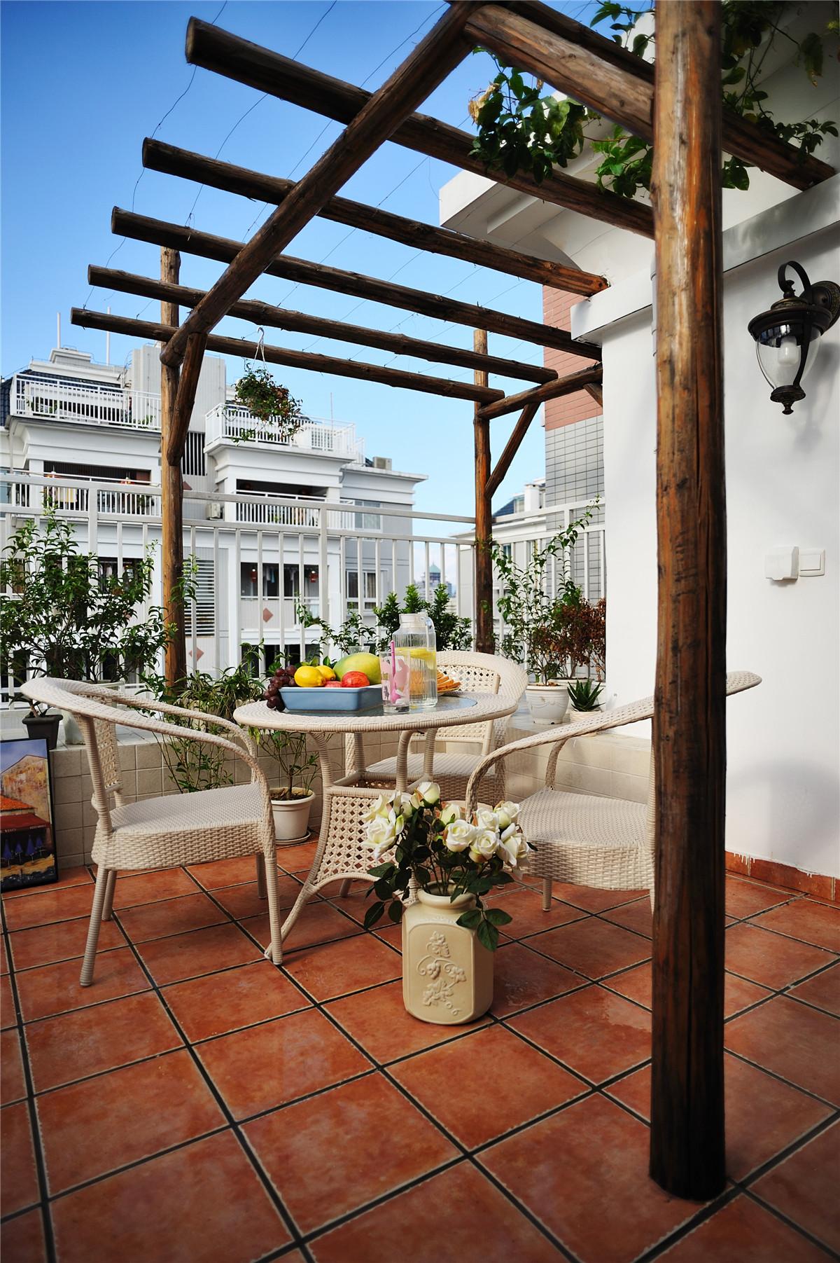 二居 地中海 白领 收纳 旧房改造 田园 小清新 阳台图片来自装修小管家在恋上地中海岸的夏日转角的分享