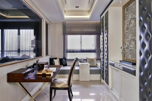 考虑客厅望入室的端景延续,书房主题墙面处雅典设计选以高柜与画作为景,加以卧榻设定兼具客房机能。