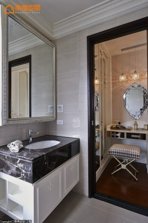 巴洛克 古典 欧式 混搭 白领 白富美 公主房 卫生间图片来自幸福空间在165 m²繁复线条挥洒古典之美的分享