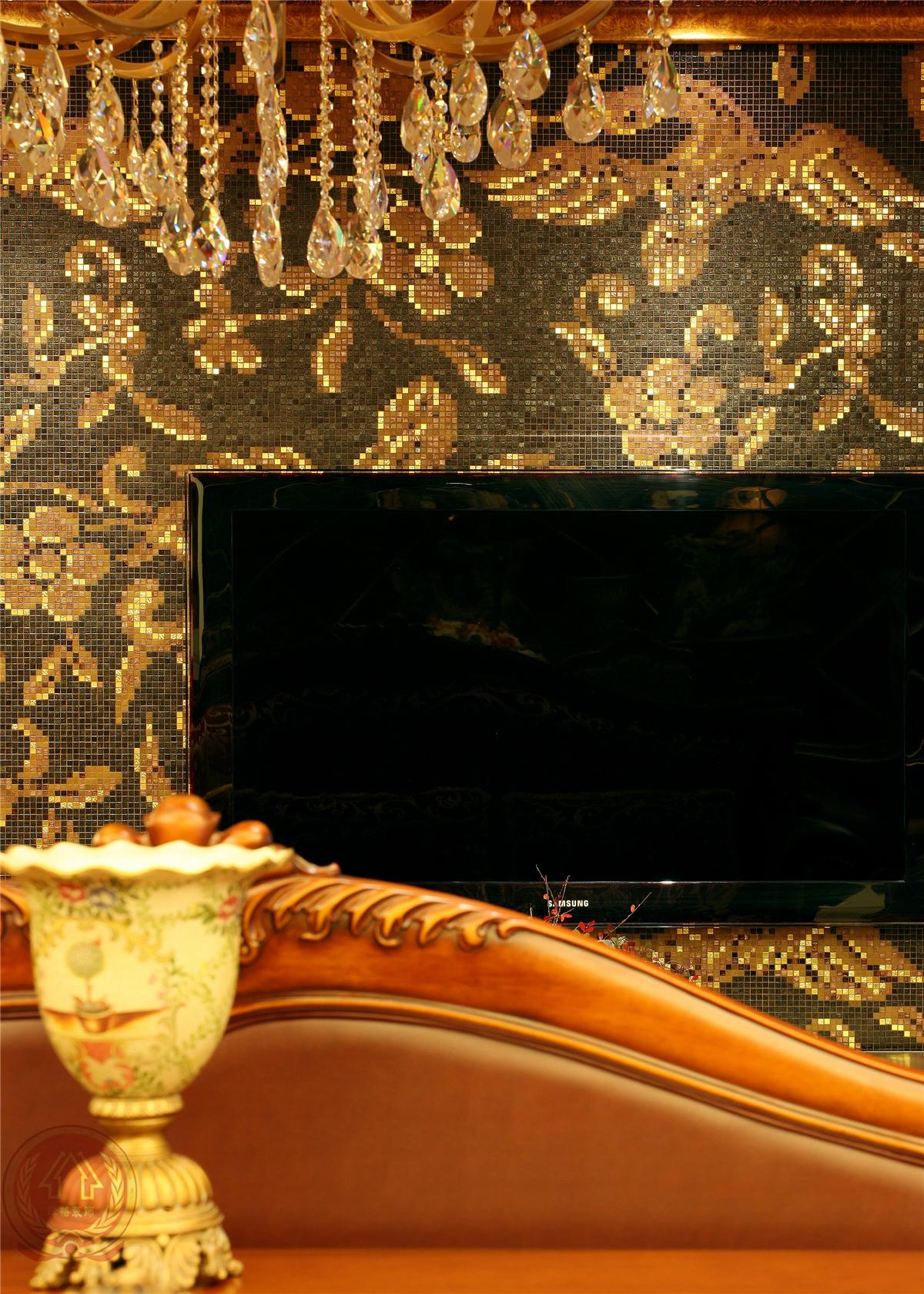 欧式 新古典 混搭 典雅 简约 时尚 三居 客厅图片来自装修小管家在典雅时尚欧式古典的分享