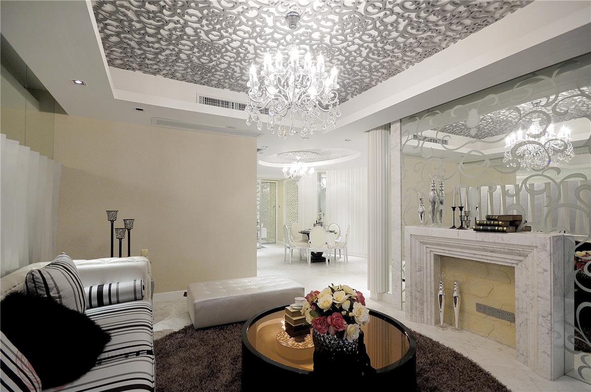 欧式 现代 古典 混搭 三居 客厅图片来自装修小管家在清芳四溢的分享