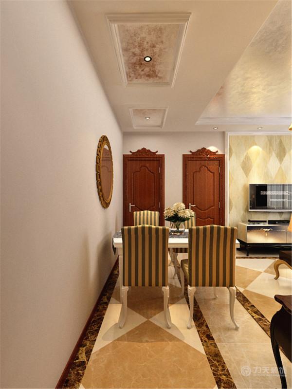 餐厅走到头的区域是次卧室,次卧室摆放一张双人床还有立柜