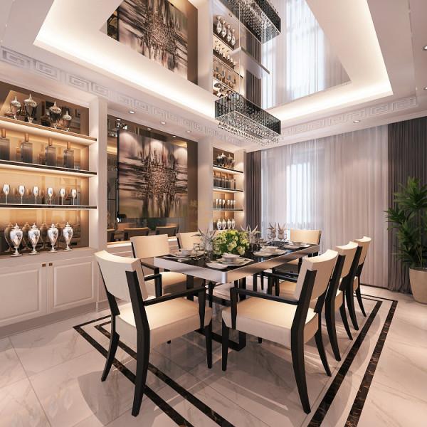 独立、正式的餐厅以利落的镜面彰显出业主本人大气、不落俗套的生活品味。