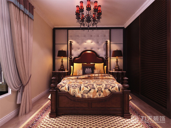 卧室的家具的搭配也选用符合空间主题的色调和造型
