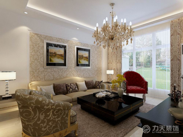 ;沙发套主要以土黄色为主,欧式花墙纸和画是为了烘托风格气氛。