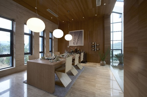 则表达了设计师对中国传统用色的理解,其沉稳大气的风格将空间的品质提升到高贵的层面,展现了与众不同的家居文化。