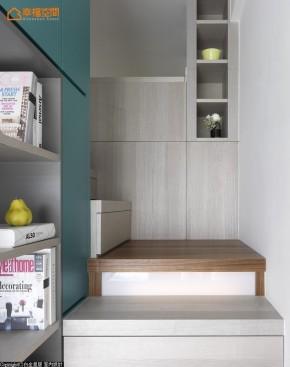 地中海 欧式 混搭 简约 小清新 小资 收纳 舒适 旧房改造 玄关图片来自幸福空间在23 m²方米地中海蓝生活小调的分享