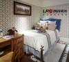 典型的男孩子的房间,简单,清爽。