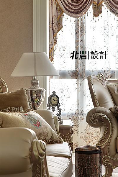 欧式 跃层 客厅图片来自北岩DESIGN在怡湖新贵的分享