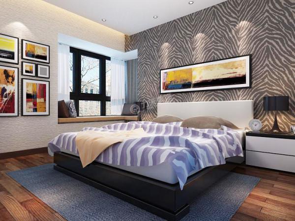 主卧右侧为卫生间,紧邻次卧,次卧面积较小。