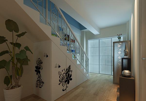 阁楼上作为书房,采用天蓝色的墙面,让阁楼与天窗外的景色也浑然一体。