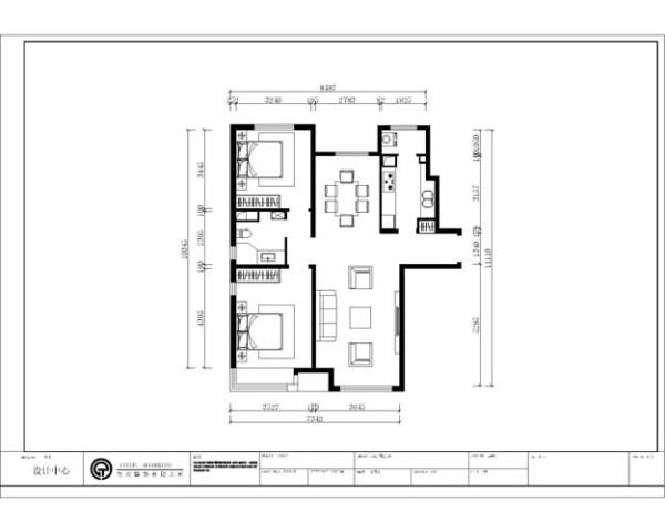 户型分析:     入户门是狭长的过道区域,右侧为厨房,再往前左右两侧各位客厅和餐厅区域。再往前左右各为主次卧区域,正对的是卫生间。