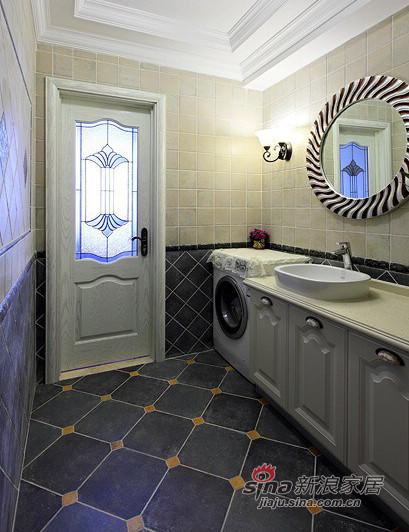 从深色瓷砖到浅色柜子,还有这个很漂亮的镜子,,,怎么样!