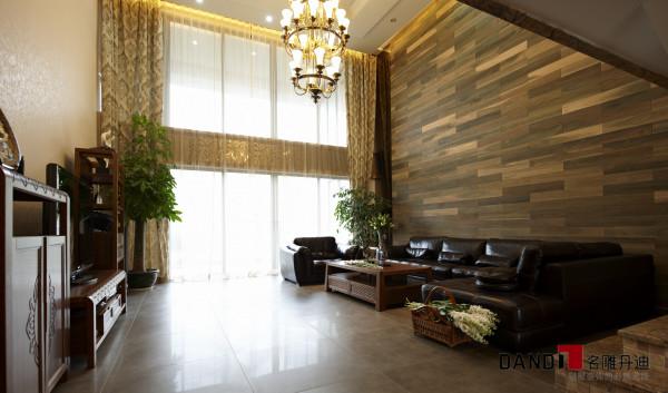 名雕丹迪设计——客厅全景:东南亚风情的居所内,透着一股醉人的中国风,体现出一种优雅、磅礴的气势