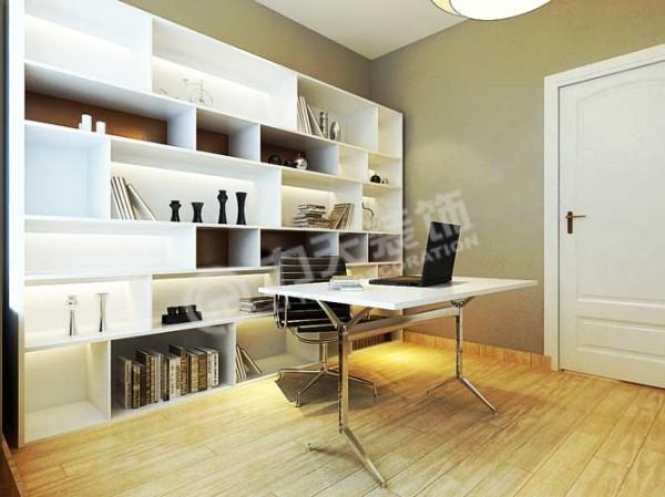书房使用整面墙的柜体外加办公用的书桌,满足了日常学习工作的功能;