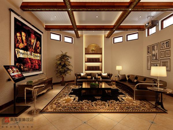 有着抽象植物图案的清淡优雅的布艺点缀在美式风格的家具当中,营造出闲散与自在,温情与柔软的氛围,给人一个真正温暖的家。