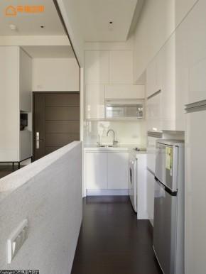 屌丝 蜗居 简约 小资 收纳 小清新 厨房图片来自幸福空间在沒30m²怎住? 城市阳光小宅的分享