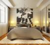 次卧香槟色的,床头,淡色墙面,厚重精美的衣柜组合给人一种文雅舒适的感觉。