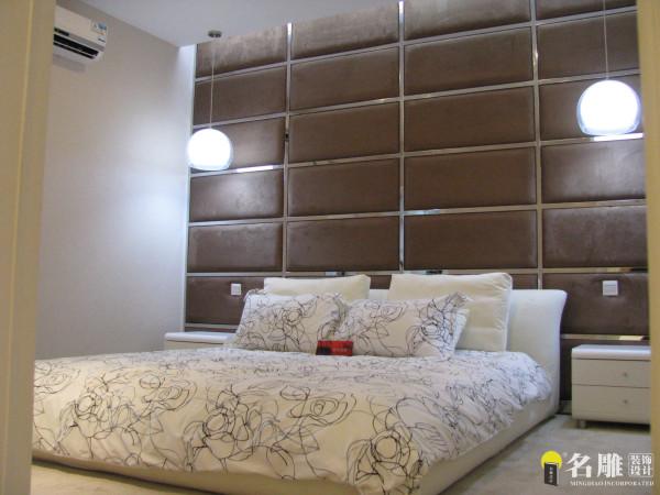 名雕装饰设计-米兰阳光-现代简约卧室:设计本身给人一种温馨时尚感,体现80后白领生活态度。
