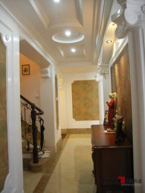 欧式 别墅 公主房 白富美 高富帅 名雕丹迪 别墅装修 楼梯图片来自名雕丹迪在欧式风格-368平宫廷别墅奢华装修的分享