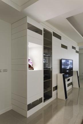 四居 新古典 欧式 白领 白富美 收纳 客厅图片来自幸福空间在215m²毛胚屋 画出完美格局动线的分享